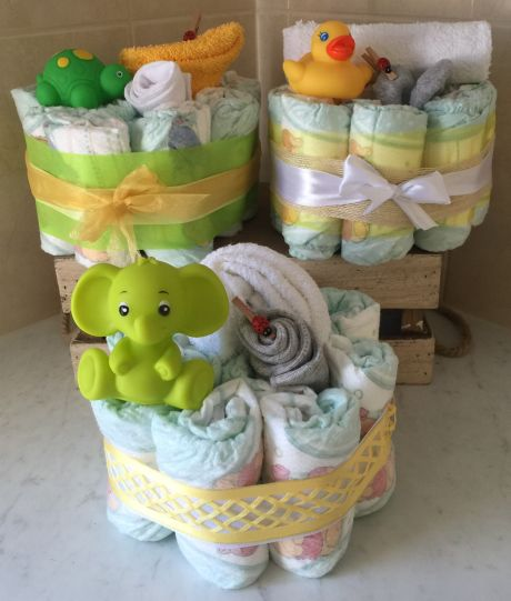 neutral mini nappy cake